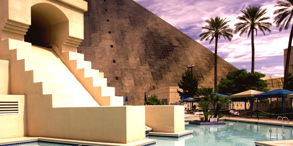 Luxor Resort & Casino - Illustration 1